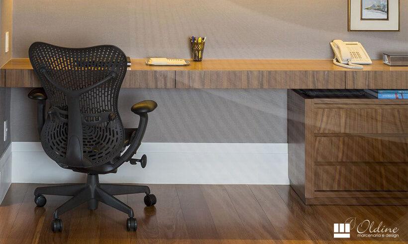 Descubra o Móvel Ideal para a Mesa do seu Escritório
